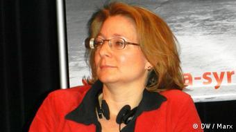Die Leiterin der Forschungsgruppe Naher/Mittlerer Osten und Afrika der Stiftung Wissenschaft und Politik bei einer Podiumsdiskussion in berlin am 23.3.2012 Foto: DW