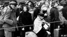 Deutschland Vertriebene nach dem Zweiten Weltkrieg in Berlin Anhalter Bahnhof
