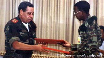 O acordo de paz entre a UNITA e o MPLA foi assinado no dia 4 de abril de 2002