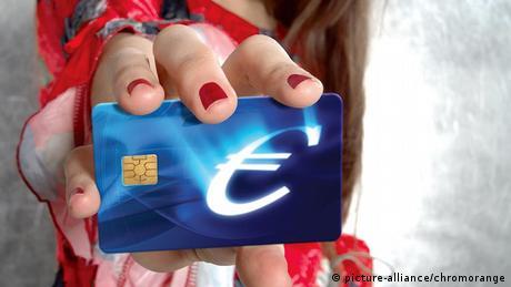 Symbolbild Blue Card für Europa (picture-alliance/chromorange)