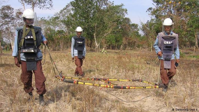 Demining Unit 6 Grossschleife Minenräumer in Kambodscha