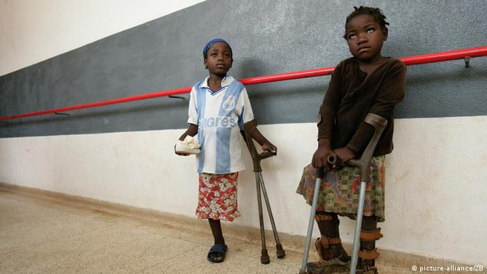 Crianças angolanas vítimas de minas antipessoais