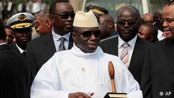FILE - In this June 30, 2011 file photo, Gambian President Yahya Jammeh stands outside the Sipopo Conference Center in Malabo, Equatorial Guinea, ahead of the opening session of the 17th African Union Summit. A movement to coronate President Jammeh as King of Gambia may have lost steam, but this ruler of 17 years who claims he can cure AIDS and infertility is all but certain to remain in power after a Thursday, Nov. 24, 2011 presidential vote. (Foto:Rebecca Blackwell, file/AP/dapd).