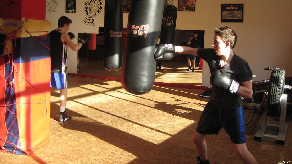 ALBANIA Pride Valle 3000 Boxing Gloves