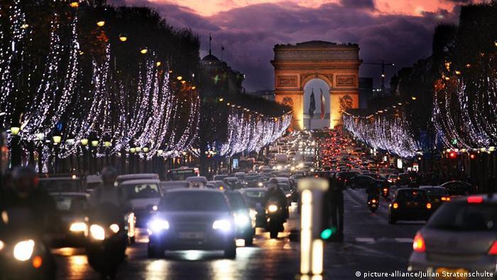 Frankreich Paris Champs-Elysees