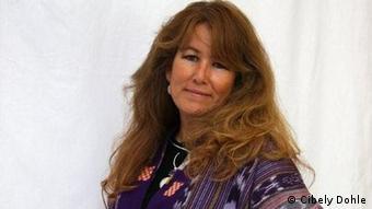 Cibely Dohle, fotógrafa y diseñadora, trabaja por reivindicar el rol de las mujeres indígenas.