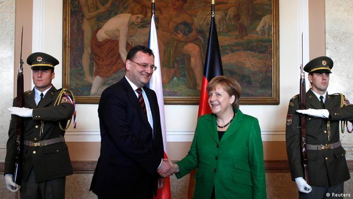 Angela Merkel na Petr Necas mjini Prague