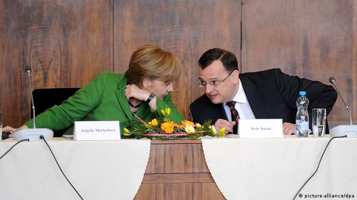 Angela Merkel chats with Czech Prime Minister Petr Necas