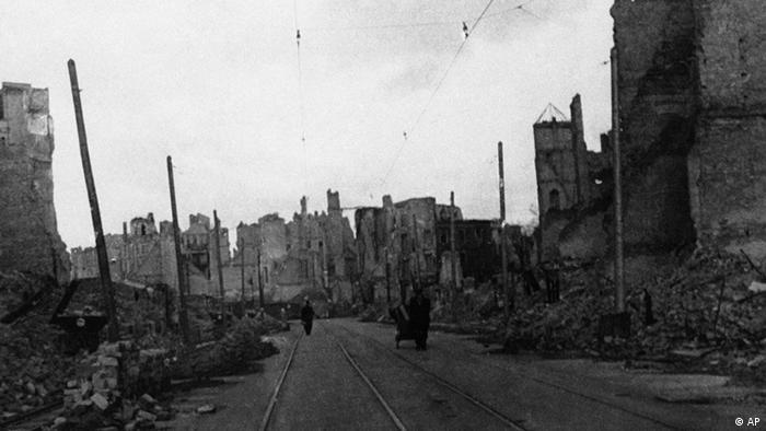 Zerstörtes Berlin 1945 nach Kriegsende (Foto: AP)