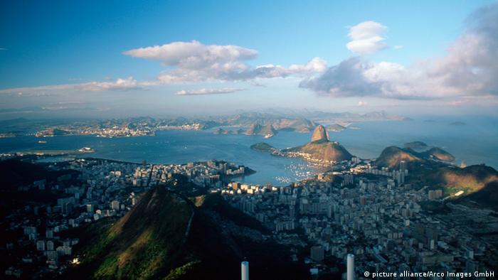 Bildergalerie Nachhaltigeit Rio Stadtansicht (picture alliance/Arco Images GmbH)