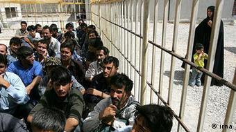 بسیاری از تبعه افغان در زندانهای ایران به سر میبرند