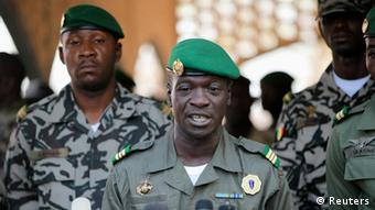 Mali's junta leader Captain Amadou Sanogo speaks during a new news conference at his headquarters in Kati April 3, 2012. REUTERS/Luc Gnago (MALI - Tags: POLITICS MILITARY)