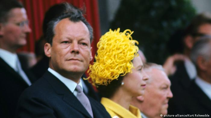 La reina Isabel II durante su primera visita a Alemania en 1965.