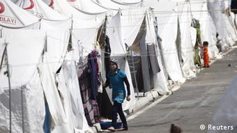 Syrien Fluchtlinge Roter Halbmond Grenze Türkei Syrien