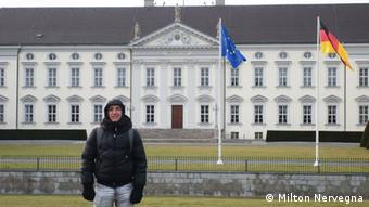 Milton Nervegna, estudiante argentino de intercambio, en una visita a la capital