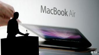 استفاده از همهمه رسانهای و ظرفیتهای هالیوود مهمترین تاکتیک تبلیغاتی اپل است