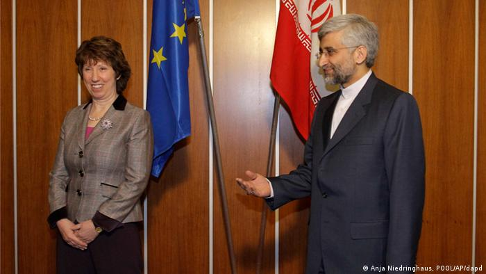کاترین اشتون، مسئول سیاست خارجی اتحادیه اروپا و سعید جلیلی، سرپرست هیئت نمایندگی ایران در مذاکرات استانبول