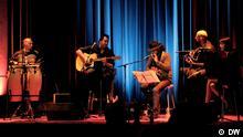 Der iranische Rapper & Songwriter Shahin Najafi (Mitte) und seine Band Foto: DW / Shahryar Ahadi, Undatierte Aufnahme, Eingestellt 09.04.2012