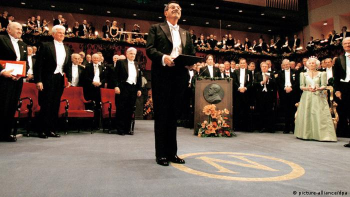 The Nobel prizewinner for literature, Guenter Grass of Germany, after receiving the Nobel Prize in Stockholm, Friday, 10 December, 1999. (Photo: dpa)