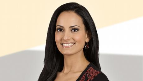 Dina Gouda, presenter of DW's Euromaxx, Arabic edition (photo: DW).