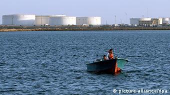 Öldock im Hafen Kalantari Iran (picture-alliance/dpa)