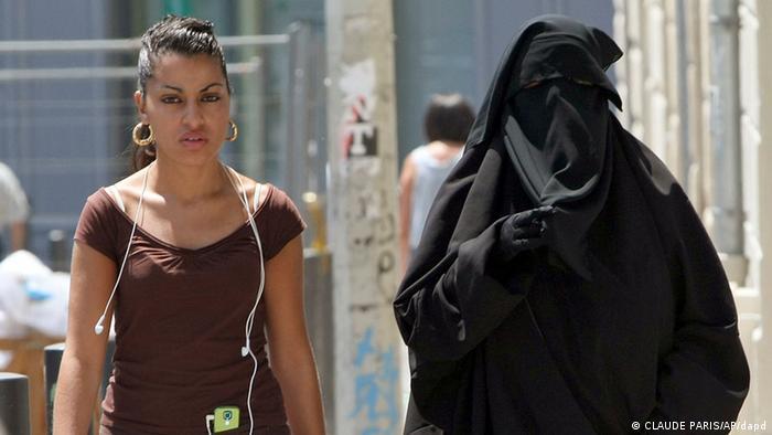 Burka Verbot Frankreich Frauen (CLAUDE PARIS/AP/dapd)