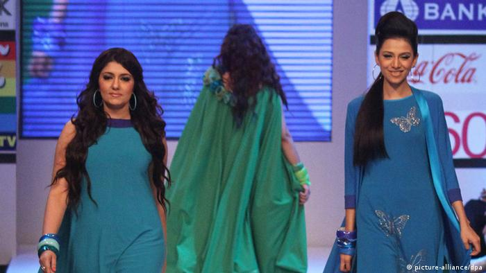 Fashion event attempts to show Pakistan′s progressive side