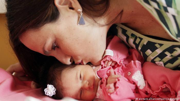 Retterbaby für kranke Schwester in Brasilien (picture-alliance/Agencia Estado)