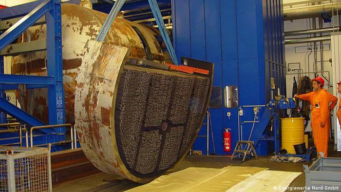 Zerlegung eines Dampferzeugers im Zwischenlager Nord Lubmin bei Greifswald Quelle: Energiewerke Nord GmbH
