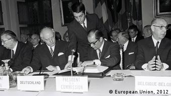 Ihsan Sabri Çağlayangil, Turkish Minister for Foreign Affairs; Walter Scheel, German federal Minister for Foreign Affairs; Franco Maria Malfatti, President of the Commission; Pierre Harmel, Belgian Minister for Foreign Affairs