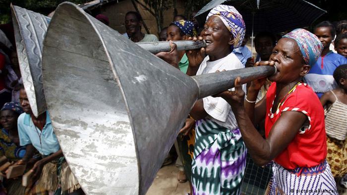 Mulheres da Beira, centro de Moçambique.