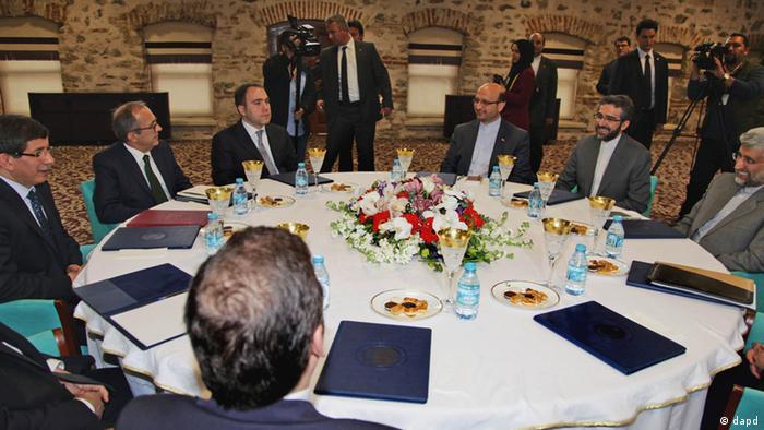 مذاکرات گروه ۵+۱ با ایران در استانبول، ۱۴ آوریل ۲۰۱۲