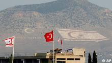 Zypern EU Türkei Grenze zu Nordzypern Flagge