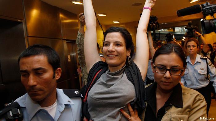 نزدیک به ۶۰ درصد از هزار و ۵۰۰ فعالی که قصد سفر به اسرائیل داشتند، از خطوط هواپیمایی مختلف غربی پیغام دریافت کردند که پرواز آنها لغو شده است.
