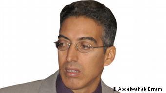 عبد الوهاب الرامي أستاذ الاعلام في المعهد العالي لللإعلام والاتصال في الرباط