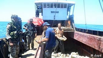 Philippinen China Streit um Seegebiet Fischereikontrolle im Südchinesischen Meer Fischereikontrolle