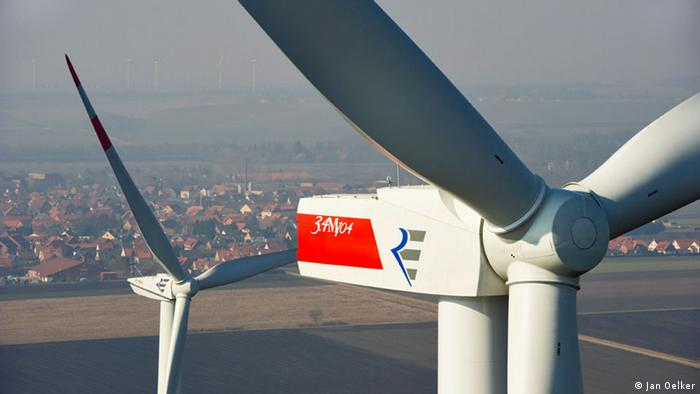 Wind turbine in Clauen, Germany (Foto: Jan Oelker) http://www.repower.de)