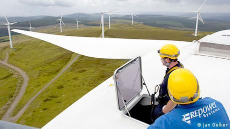 Windpark in GB, Blick aus der Gondel Foto: Jan Oelker, Repower)  http://www.repower.de/de/presse/media-center/bildarchiv/