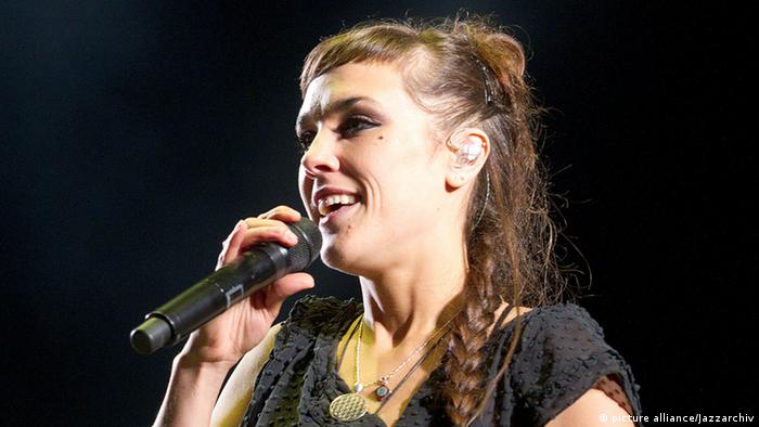 Singer Zaz (picture alliance/Jazzarchiv)
