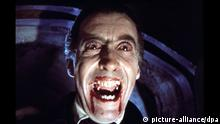 DRACULA (BR1958) CHRISTOPHER LEE Date: 1958 (Mary Evans Picture Library)