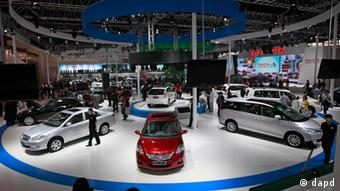 Toyota Motor Corp.'s cars, including Vios, center, are on display at the Beijing International Auto Exhibition in Beijing, Photo: AP Photo/ Vincent Thian