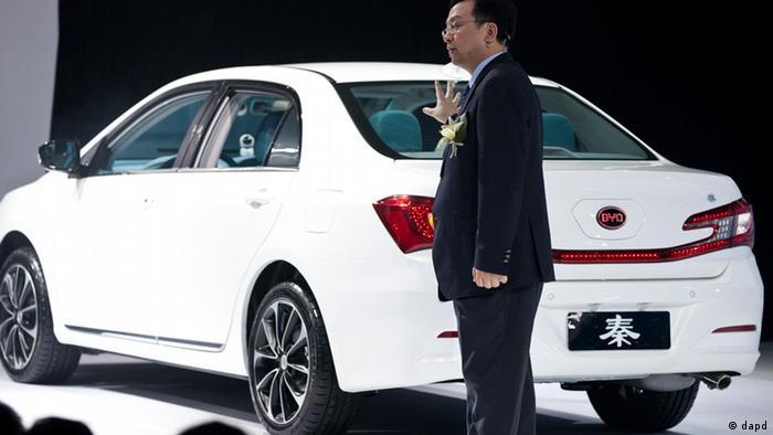 Automesse in Peking China 2012 Wang Chuanfu BYD Co