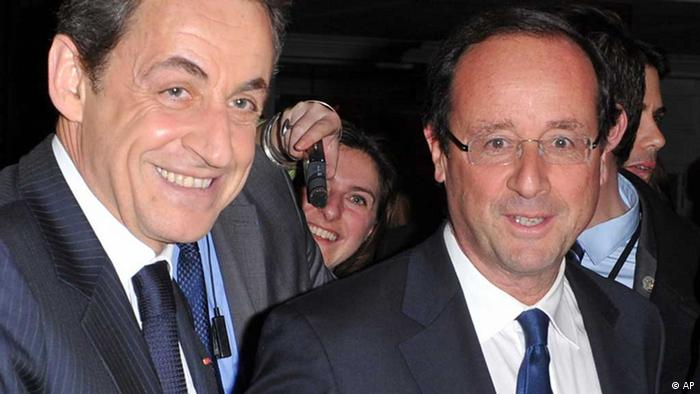 RETRANSMISSION FOR ALTERNATE CROP OF REB102. In this photo of Wednesday, Feb. 8, 2012 France's President, Nicolas Sarkozy, left, shakes hands with Socialist Party candidate for the 2012 presidential elections Francois Hollande, at a dinner where France's best-known by Jewish organization, CRIF, hosted the president and his most likely challenger in this spring's election: Socialist Francois Hollande. Sarkozy put his reputation as a stalwart friend of Israel on the line Wednesday, warning that military action was no way to deal with nuclear-minded Iran at a dinner hosted by France's main Jewish group _ and his likely presidential election rival in the audience. (Foto:Christophe Guibbaud, pool/AP/dapd) // Eingestellt von wa