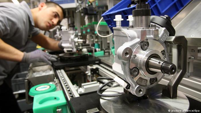 Arşiv - Bosch fabrikasında dizel motorlar için enjektör pompası üretimi
