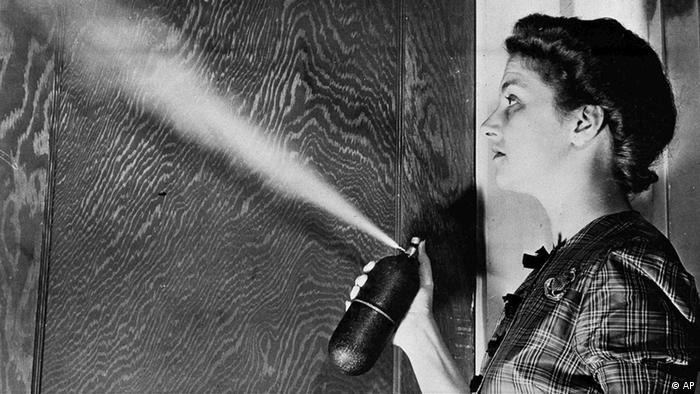 DDT Aerosol als Insektenspray (AP)