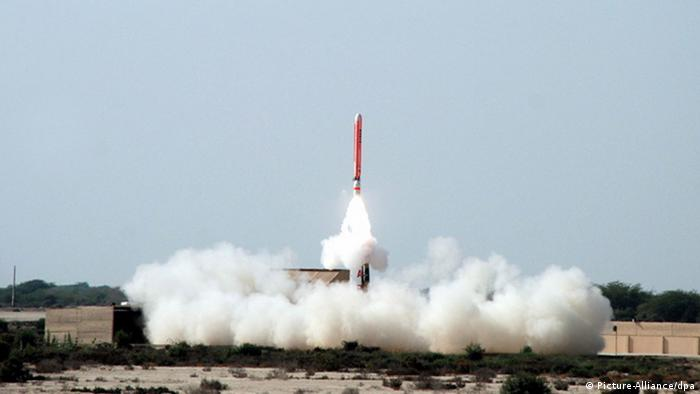 epa02983267 (FILE) A file picture dated 10 February 2011 shows the test-launch of Pakistan's Hatf-VII (Babur) cruise missile, capable of carrying nuclear warheads, from an undisclosed location. Pakistan on 28 October 2011 successfully test-fired Hatf-VII, also called Babur, a medium-range cruise missile capable of carrying nuclear warheads, the military said. EPA/INTER SERVICES PUBLIC RELATIONS / HANDOUT
