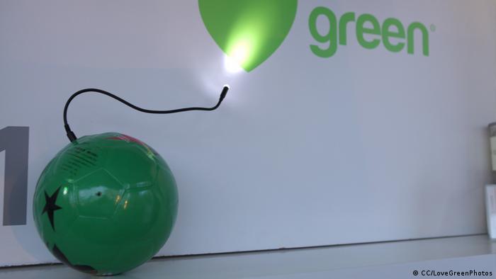 The solar-powered sOccket ball