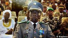 Mali Hauptmann Amadou Sanogo in Paradeuniform