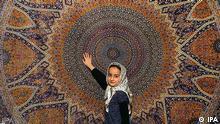 مشکلات نقل و انتقال ارز بر صادرات فرش ایران تاثیرگذار بوده است