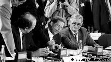 Bildergalerie Geschichte der NATO Auflösung Warschauer Pakt 1991